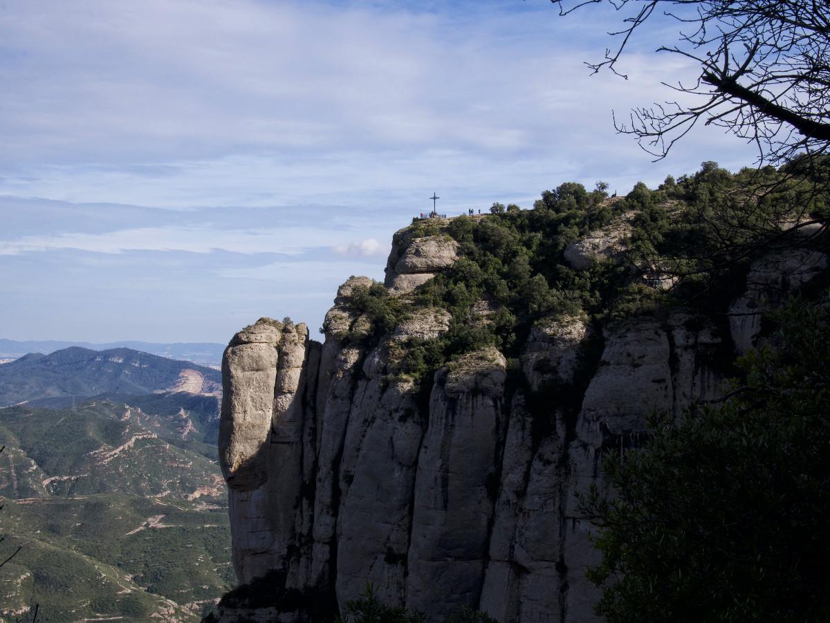 Croix sur la montagne de Montserrat