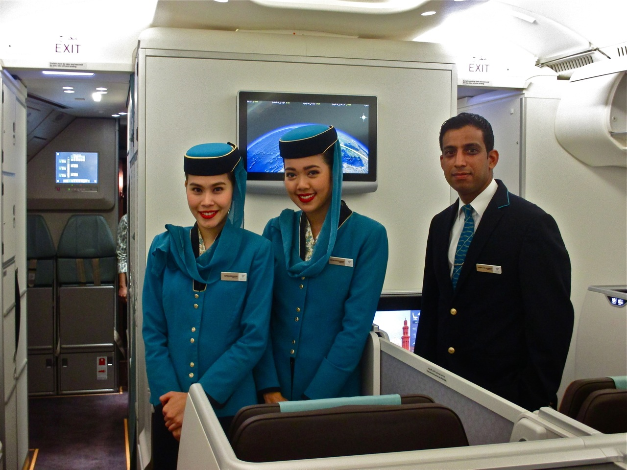 equipage oman air