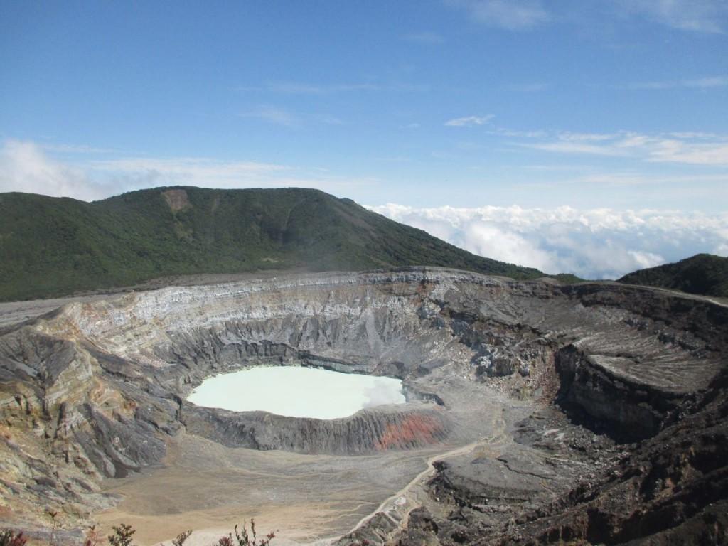 Dans le cratère du volcan Poas - Road trip au Costa Rica