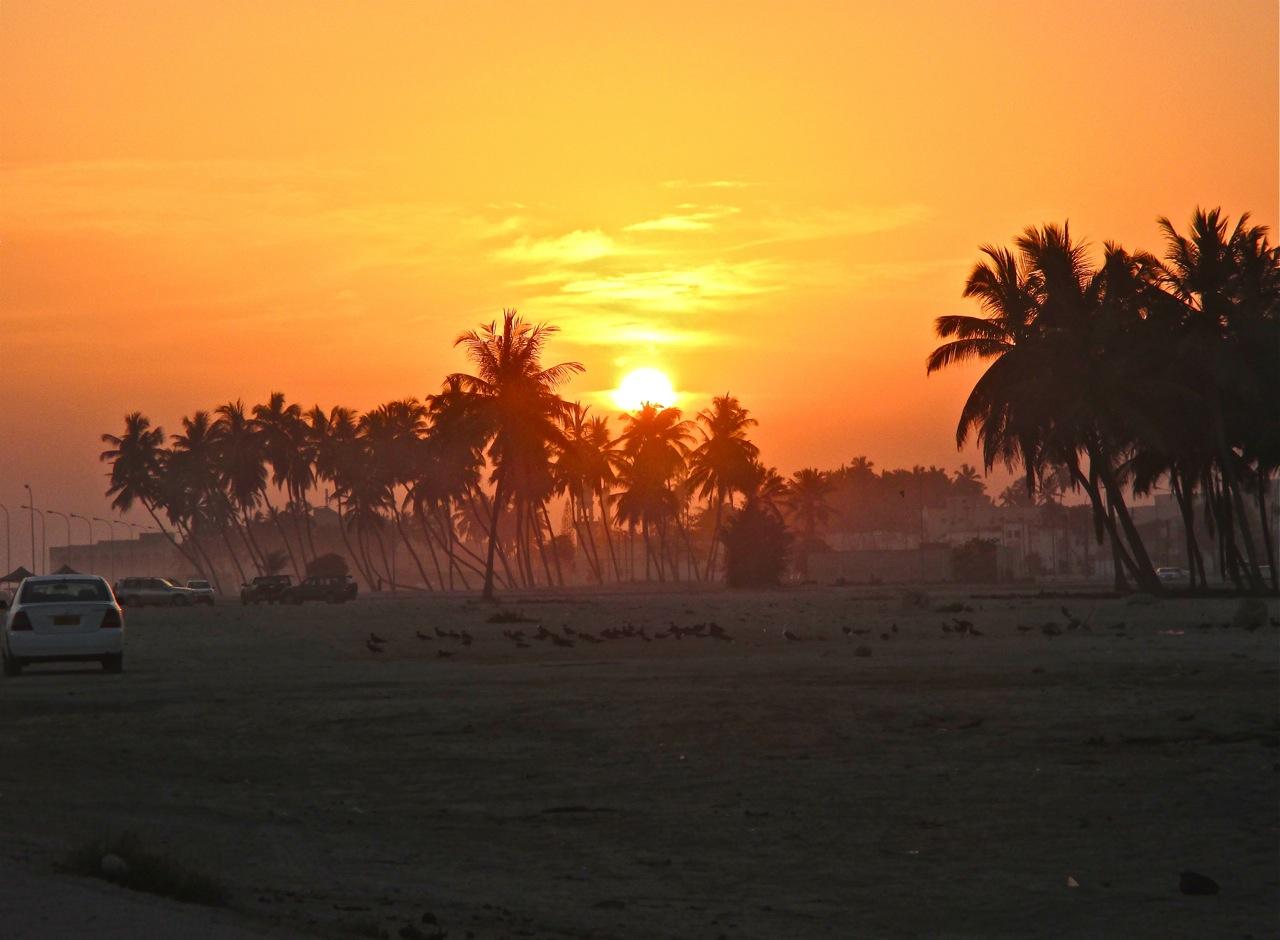 Coucher de soleil à Salalah dans le sud d'Oman.
