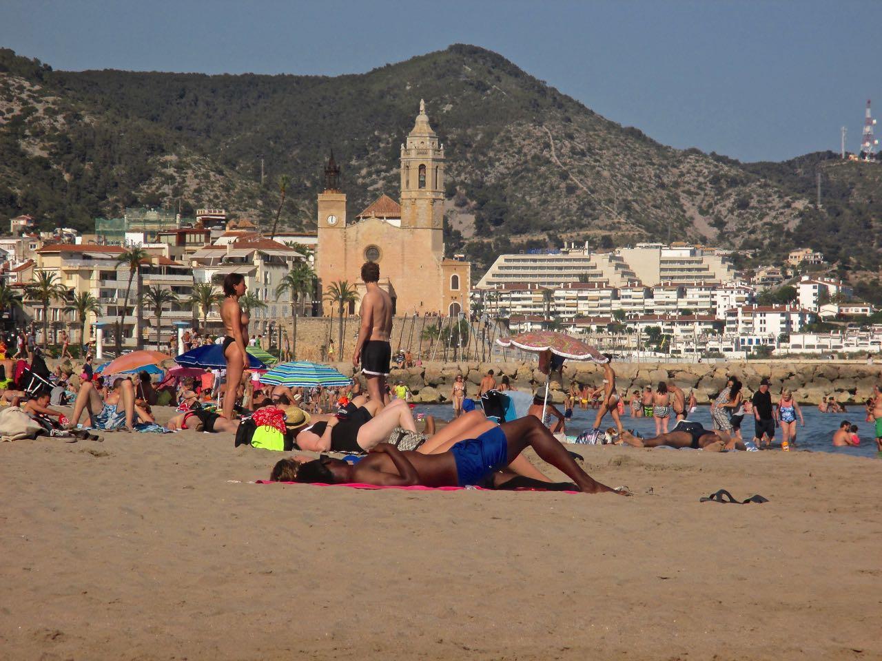 La plage de Sitges à une demi-heure de Barcelone.