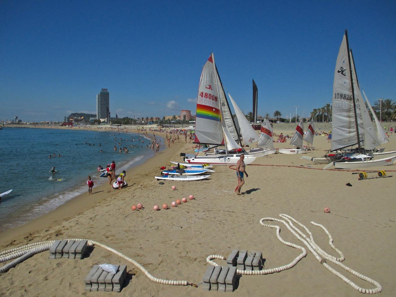 La plage de Bogatell à Barcelone.