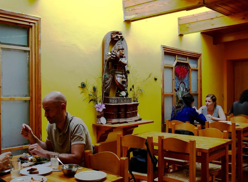 Déjeuner au temple Hare Krishna de Barcelone