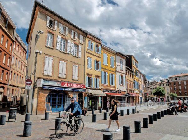 La place Arnaud-Bernard à Toulouse