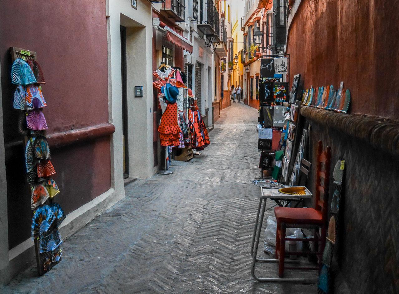 Dans les rues de la Juderia à Séville