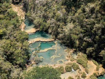 Panorama sur Semuc Champey au Guatemala