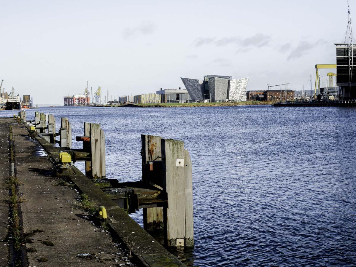 Balade sur les quais de Belfast en Irlande du Nord