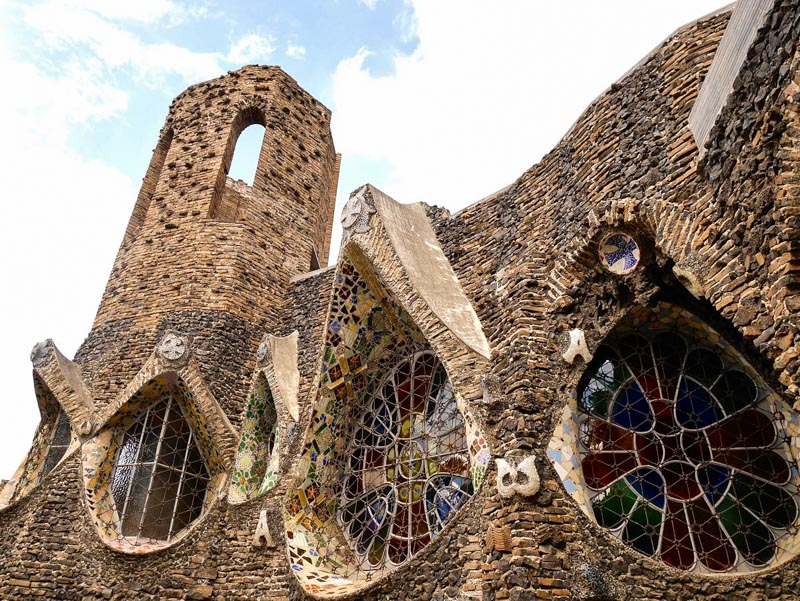 Découvrir les oeuvres méconnues de Gaudi à Barcelone