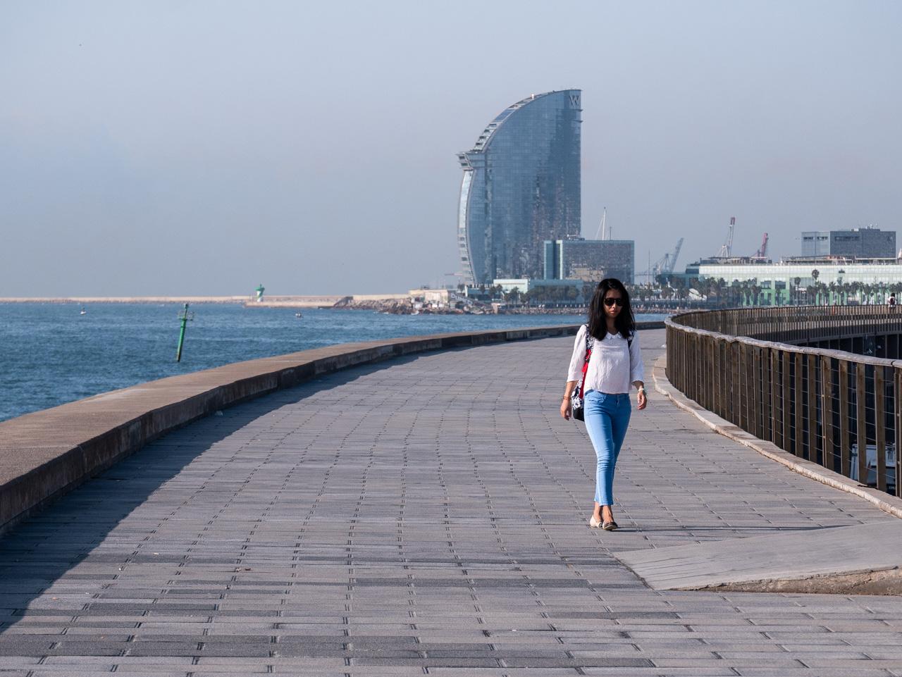 Se balader sur le front de mer à Barcelone