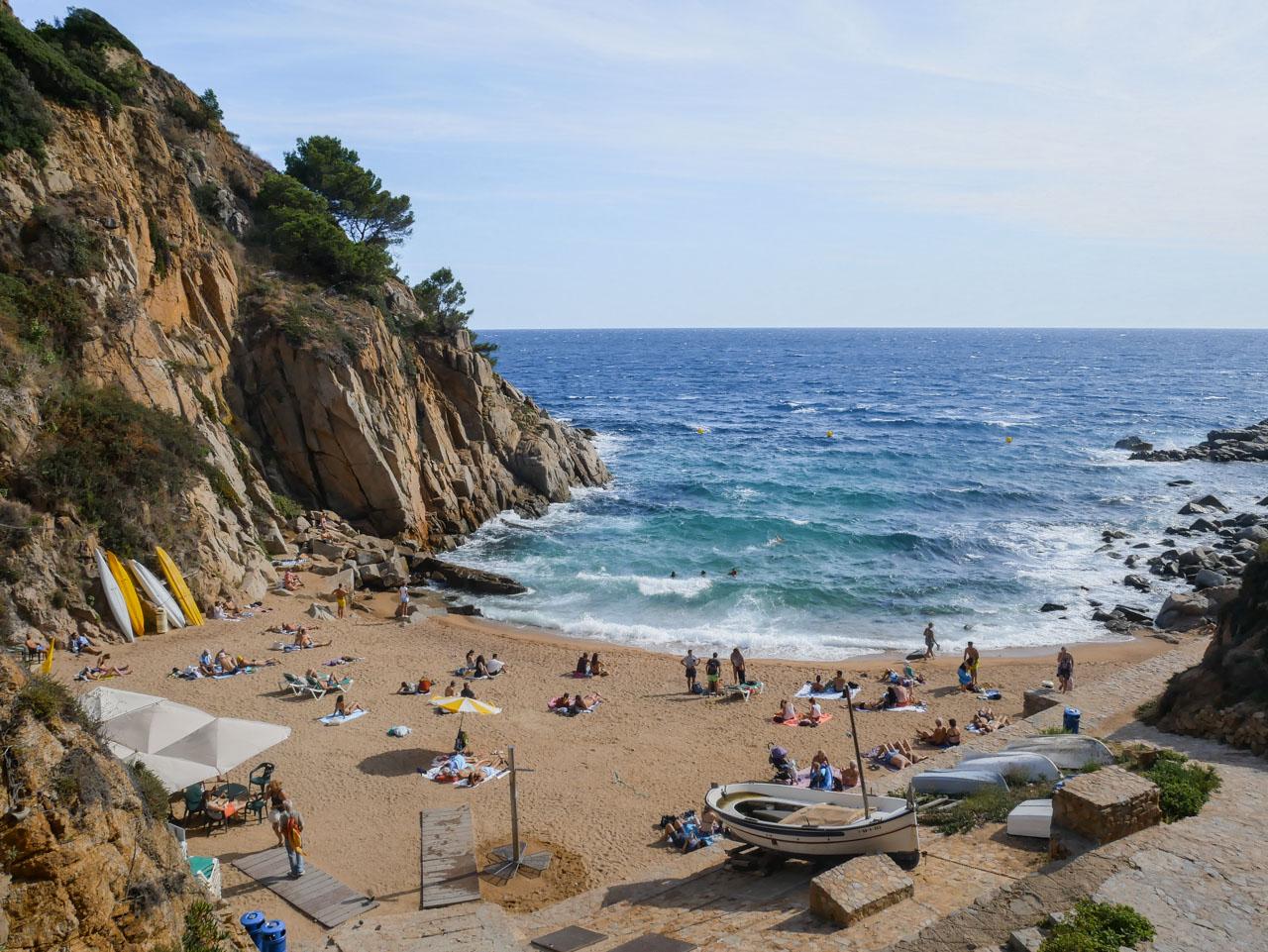 Petite plage à Tossa de Mar pour un week-end en Catalogne