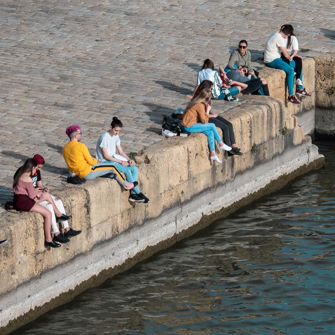 Balade sur les quais de Séville le dimanche