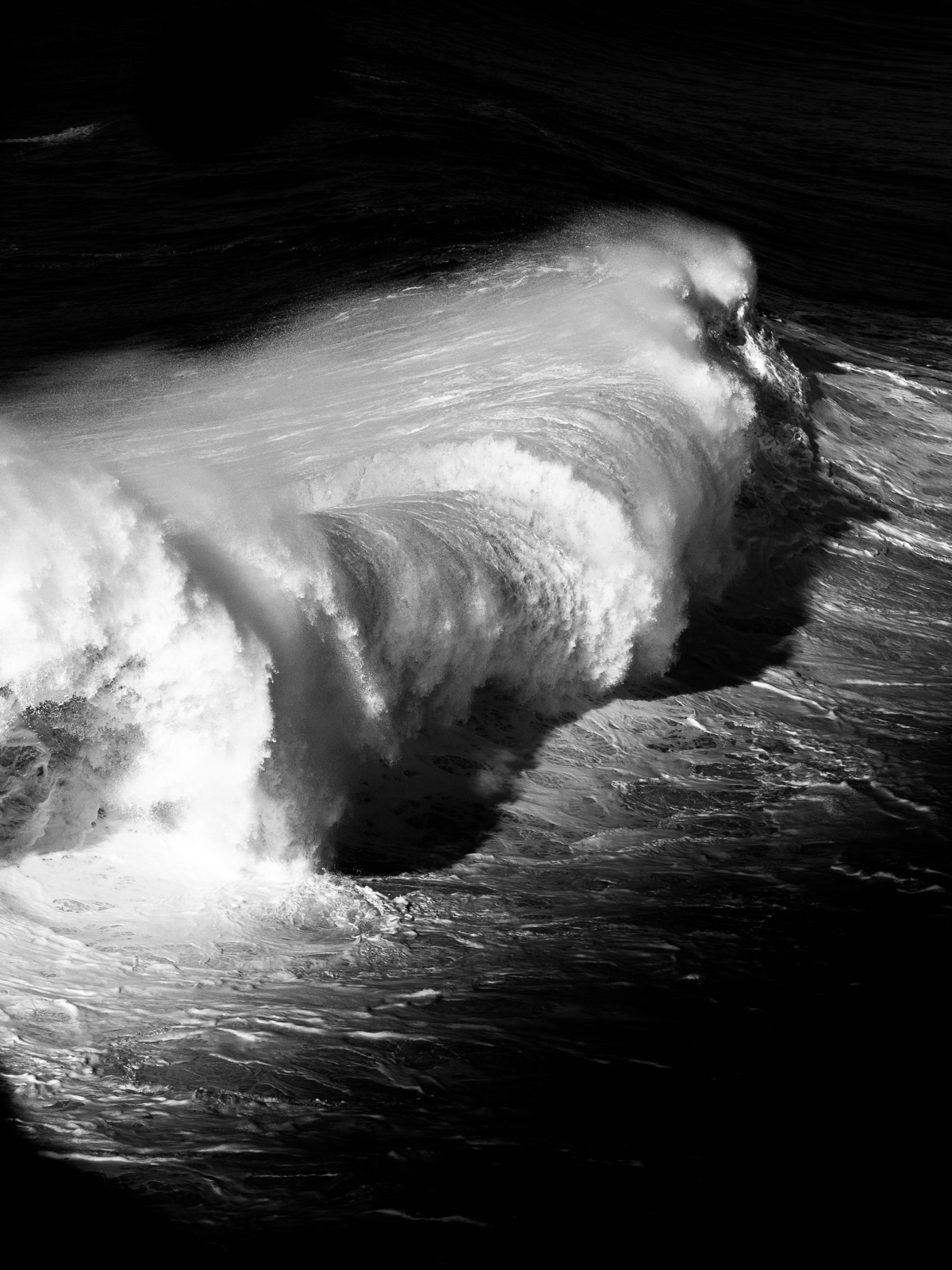 vague-nazare-portugal-nb