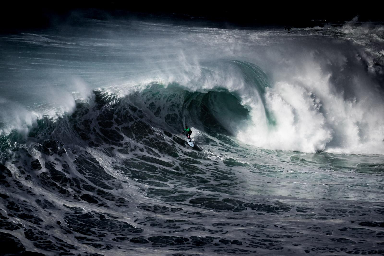 Nazare, le spot de surf le plus célèbre du Portugal