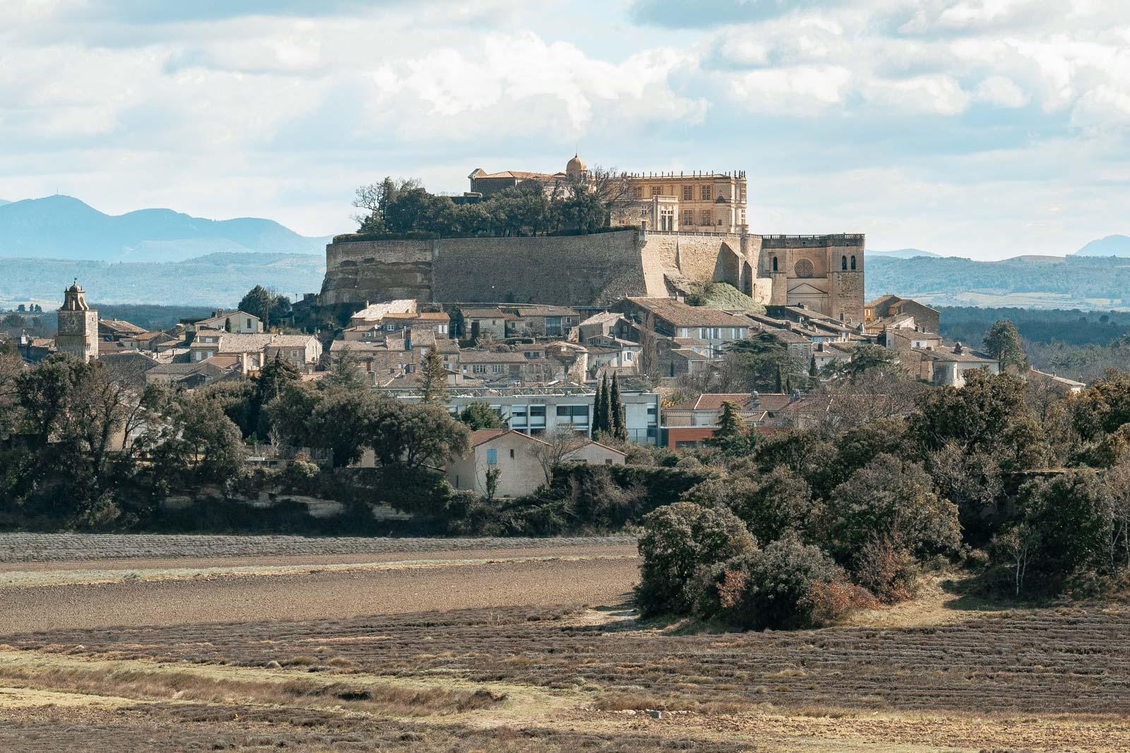 Vue sur la citadelle de Grignan