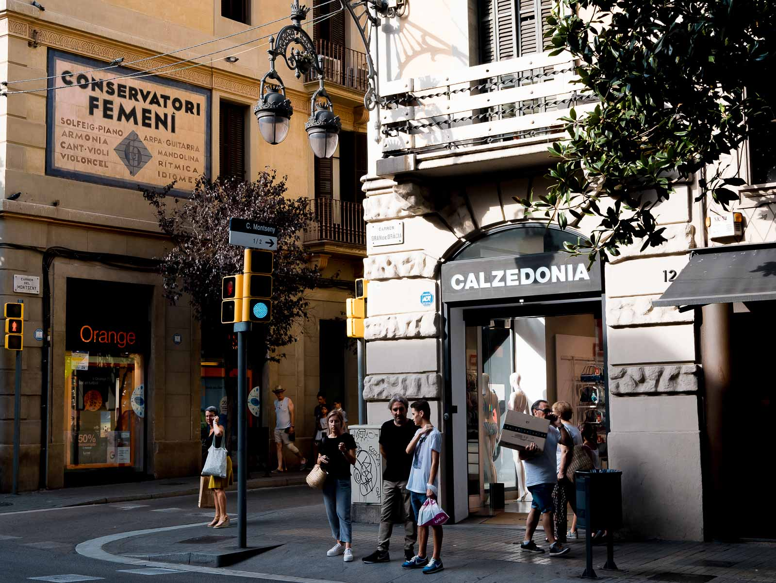 Explorer le quartier de Gracia à Barcelone