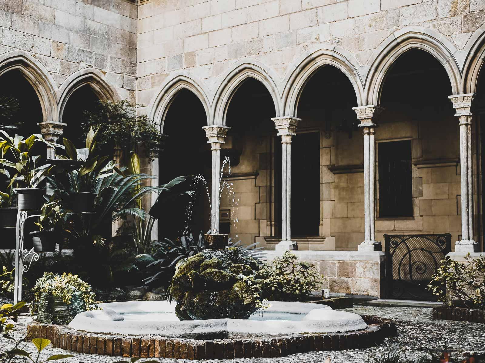 Le cloitre de la Concepcio à Barcelone