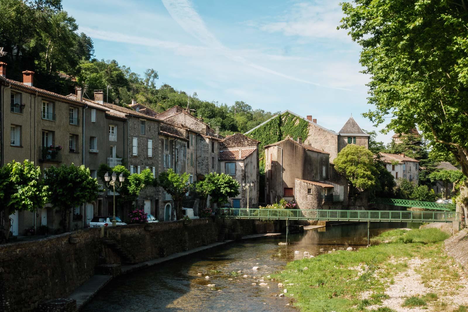 Le village de Lunas dans le Haut Languedoc