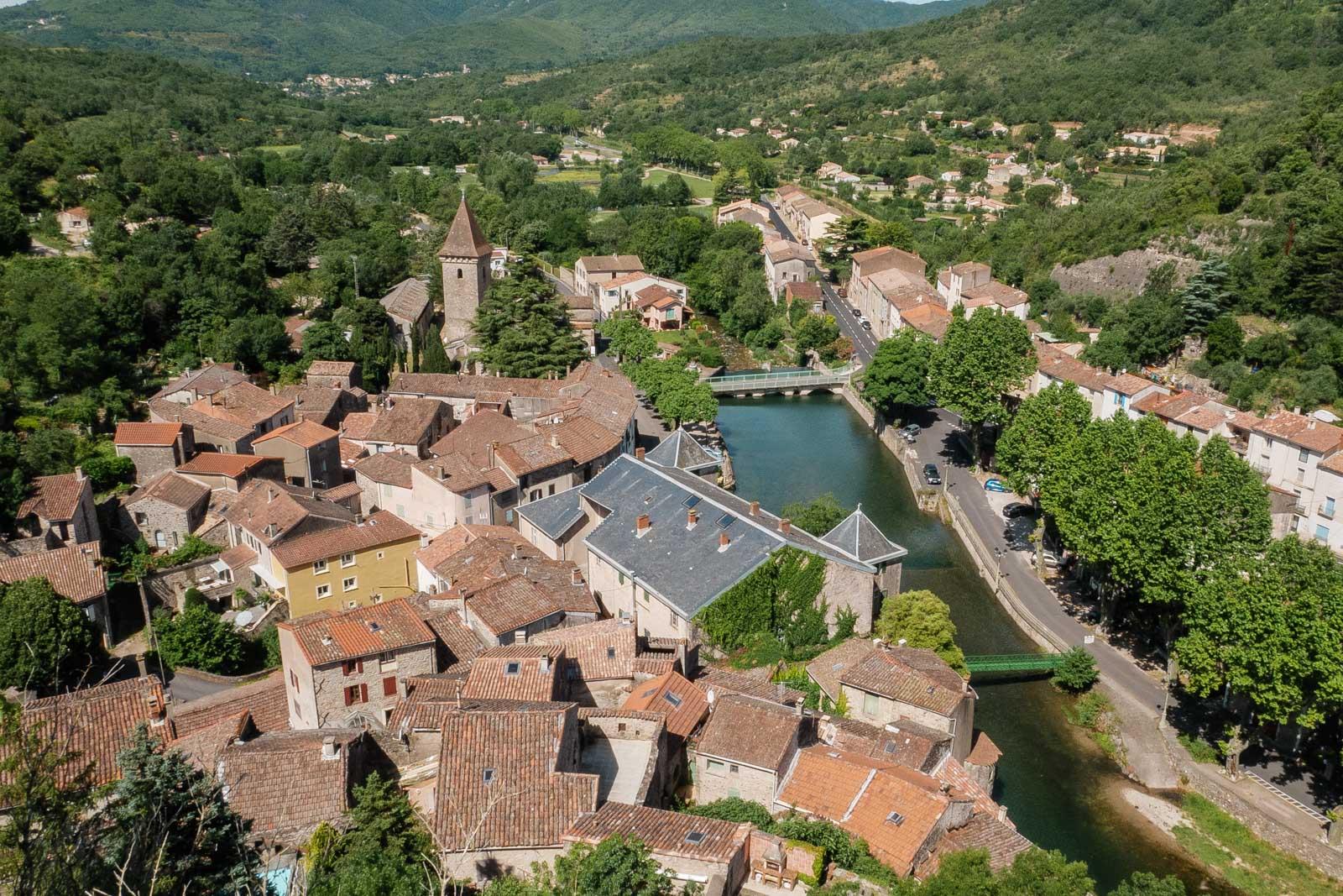Le village de Lunas dans l'Hérault