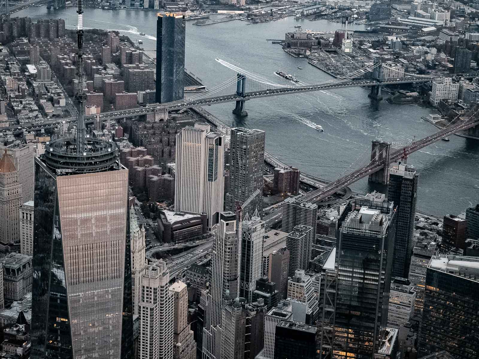 Les ponts de Manhattan en hélicoptère