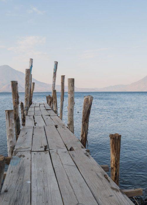 Lever de soleil à Atitlan au Guatemala